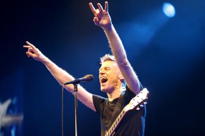 Bryan Adams podczas jednego z koncertów